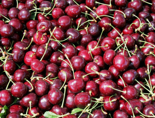 Photo closeup of cherries from above