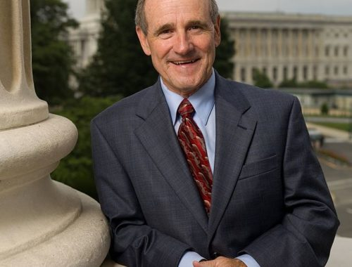 Portrait photo of United States Senator James Risch (Republican, Idaho)